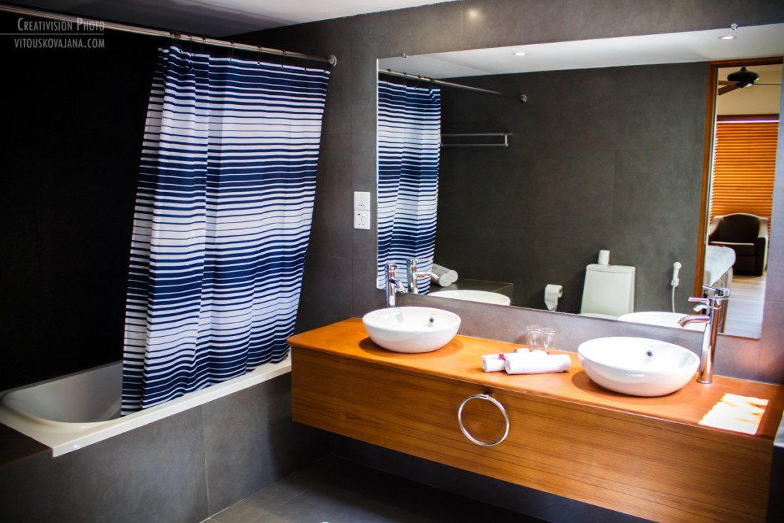 bathroom at Eriyadu island resort