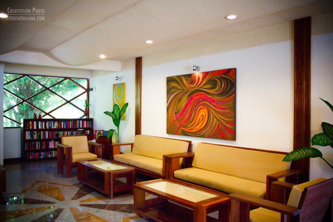 reception area at Eriyadu island resort