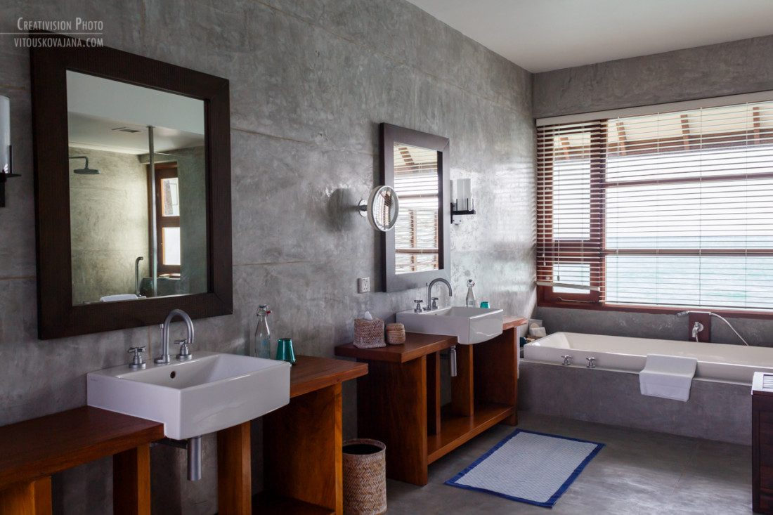 bathroom at Four Seasons Landaa Giraavaru
