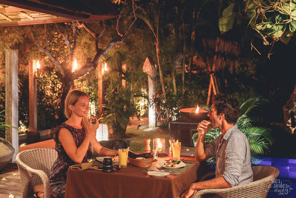 Romantic candlelit dinner at Jamahal Private Resort & Spa in Bali